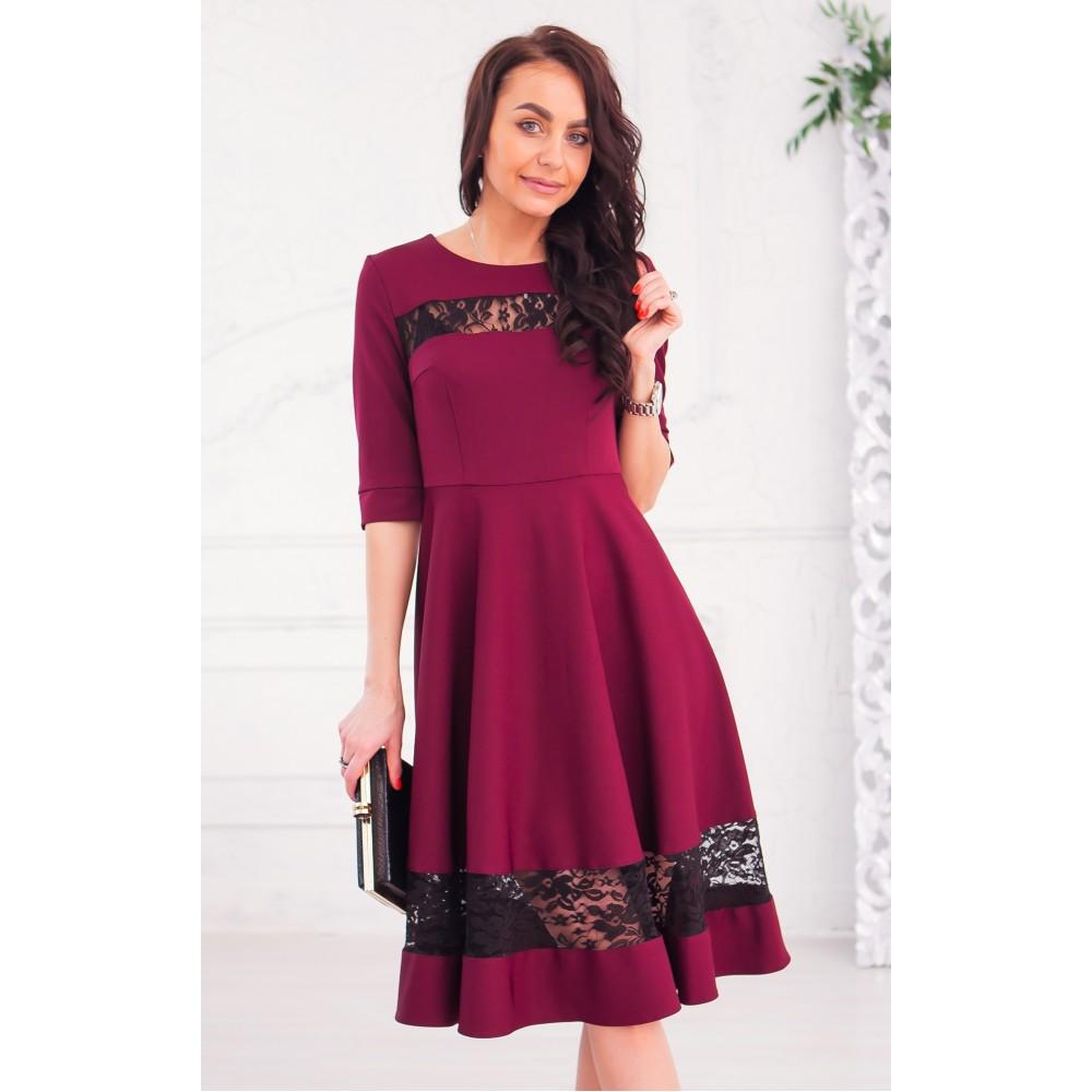 Бордовое платье с кружевными вставками АП322-3
